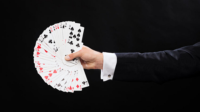 An impromptu magic trick can impress friends, family and business associates.