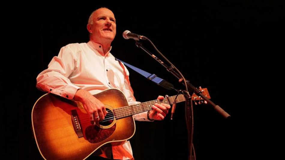 If you'd like to see Richard Digance at The Carlton Club in Olney, book soon as tickets are limited.